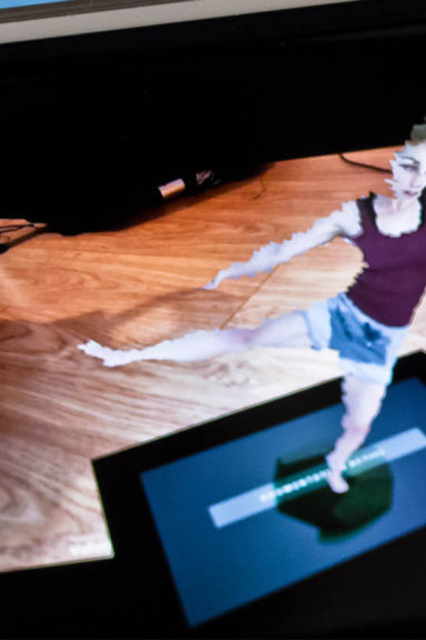 Zubr 4D volumetric dance piece in augmented reality on smartphone